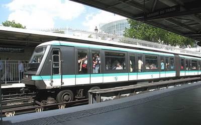 rame à la station Bastille