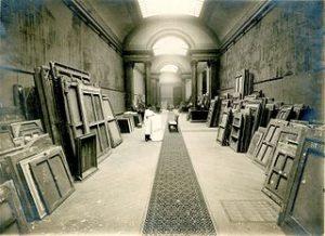 photographie d'une réserve de musée