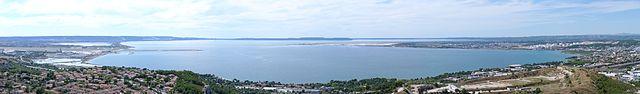 Panorama de l'étang de Berre