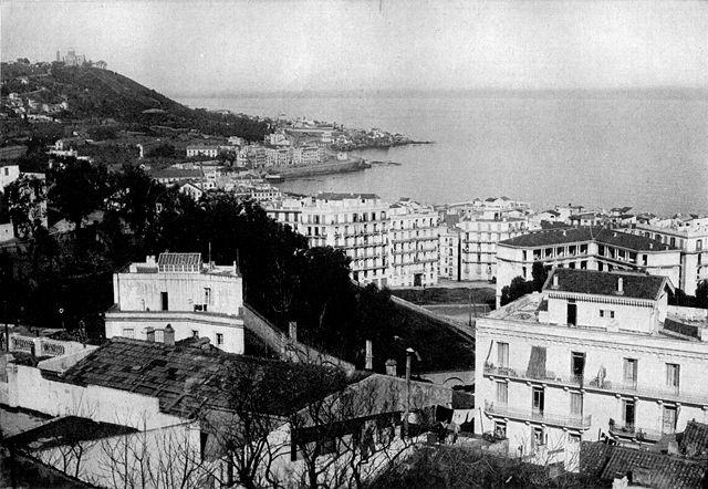 Vue d'Alger et du port en noir et blanc en 1921