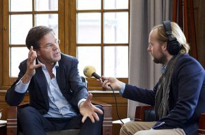 Photo d'une interview du Premier ministre Rutte des Pays-bas