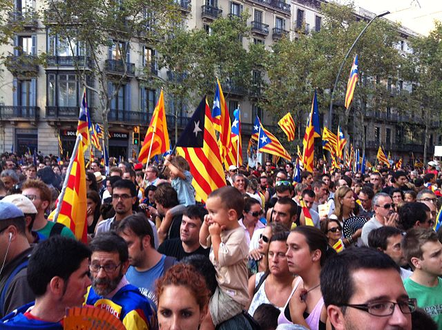 photographie de manifestation d'indépendantistes catalans