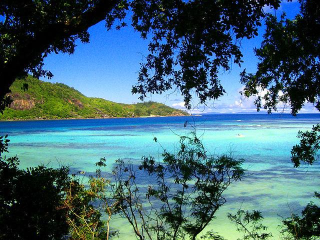 Photographique d'un paysage de plage aux Seychelles