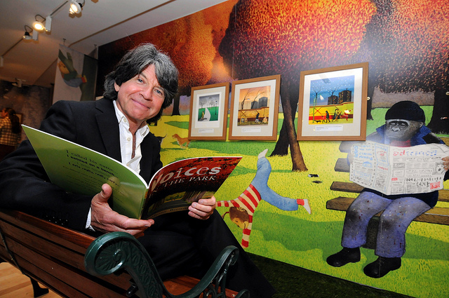 Photo d'Anthony Browne sur un salon