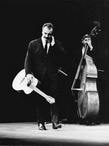 photographie de Georges Brassens en 1964