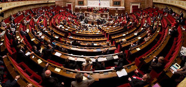 Photographie panoramique de l'hémicycle de l'Assemblée