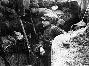 Je suis à la recherche d'un film documentaire sur la Première Guerre mondiale, pas trop complexe et pouvant être montré à un enfant de 14 ans