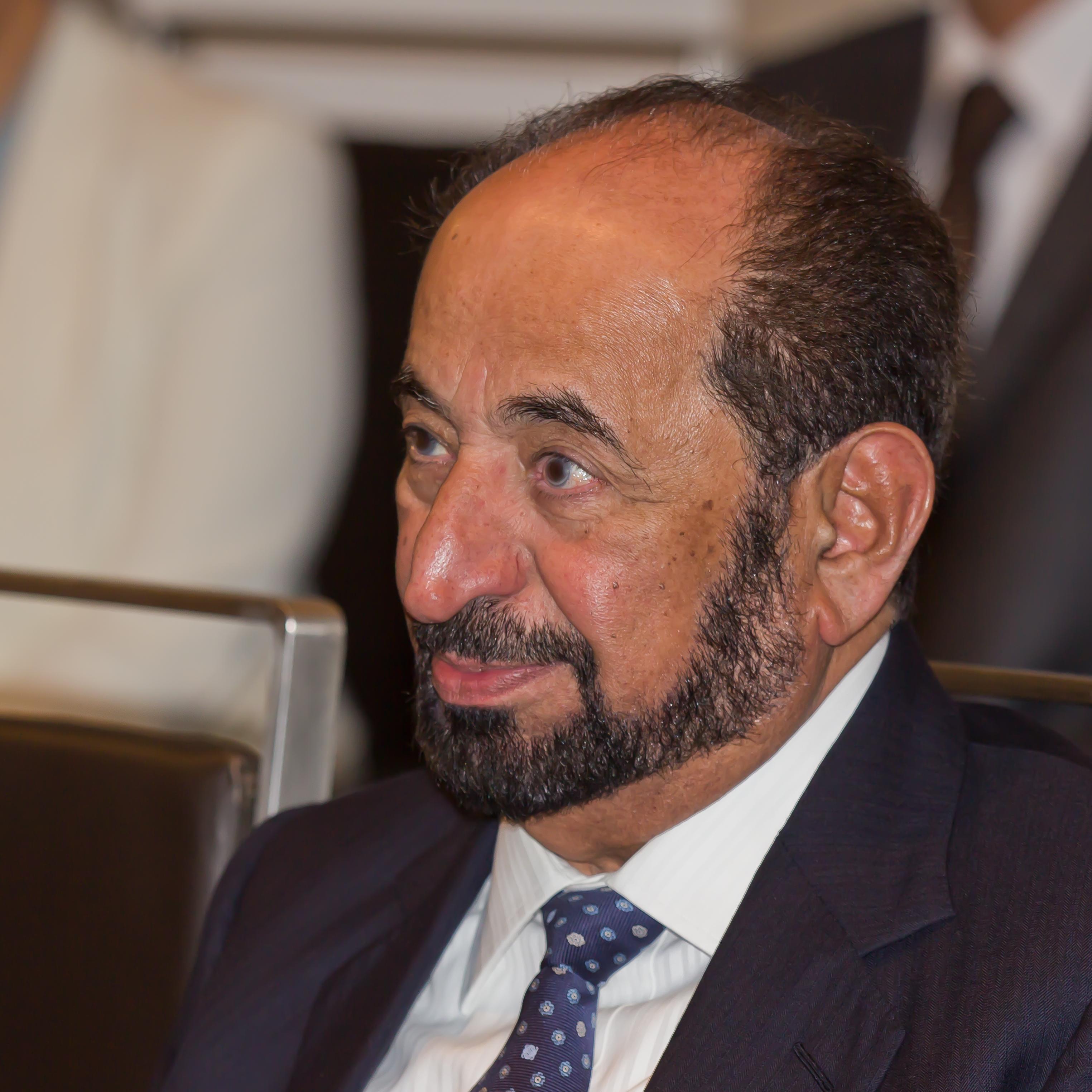 Photo de sheikh Sultan III bin Mohammed Al-Qasimi, souverain de l'émirat de Sharjah