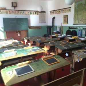 Ecole-bureaux-ardoises