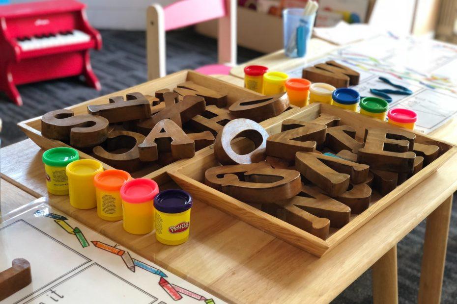 Jeux éducatifs pour enfants by Gautam Arora on Unsplash