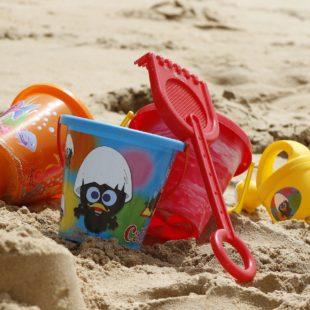 jouets de plage en plastique
