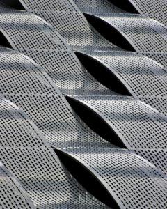 Tôles de métal ondulées