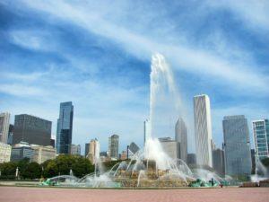 Fontaine en pleins cœur de la ville de Chicago